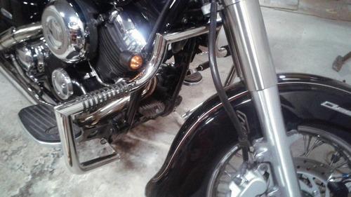 Дуги Yamaha Dragstar, вид слева сзади.